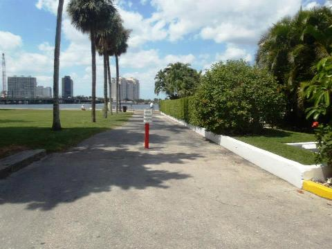 Palm Beach Lake Trail